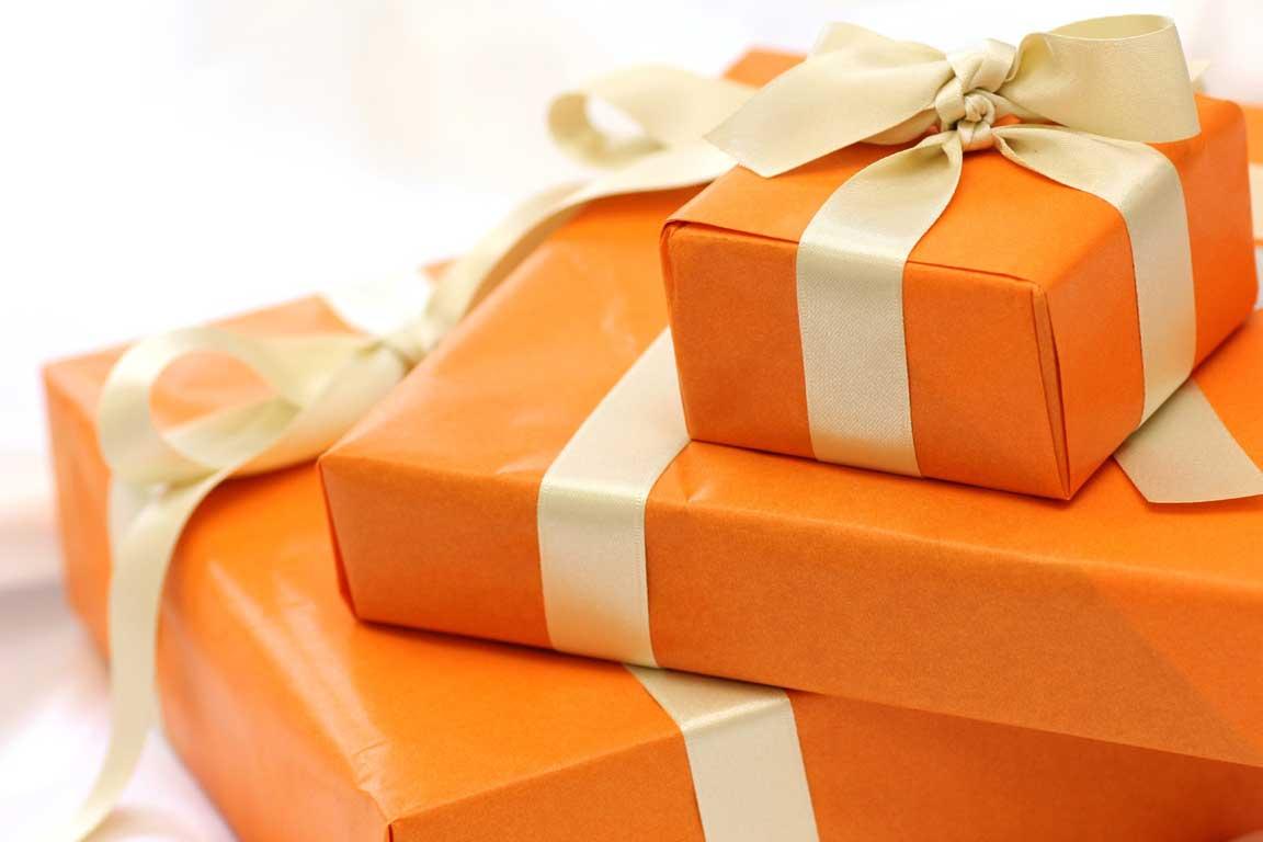千羽鶴を超える新提案、プレゼントや贈り物に手作りの壁面装飾。