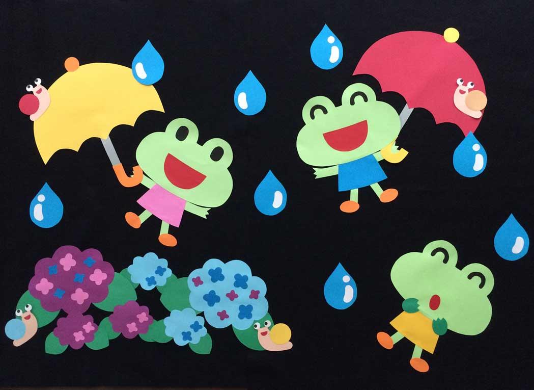 梅雨空の散歩道