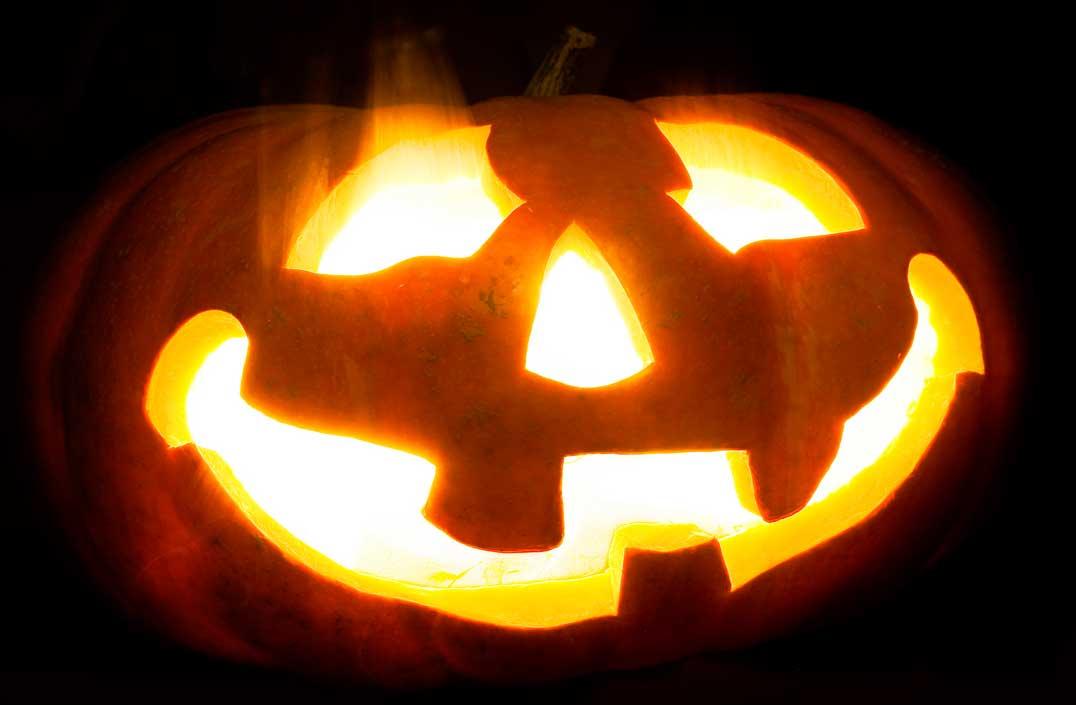 10月の壁面装飾は、紅葉、ハロウィン、食欲の秋を意識して作ろう!
